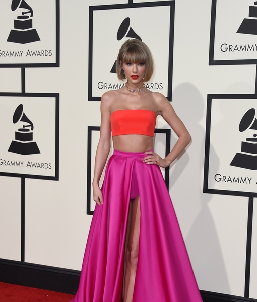 Taylor Swift Channels Anna Wintour at Grammys