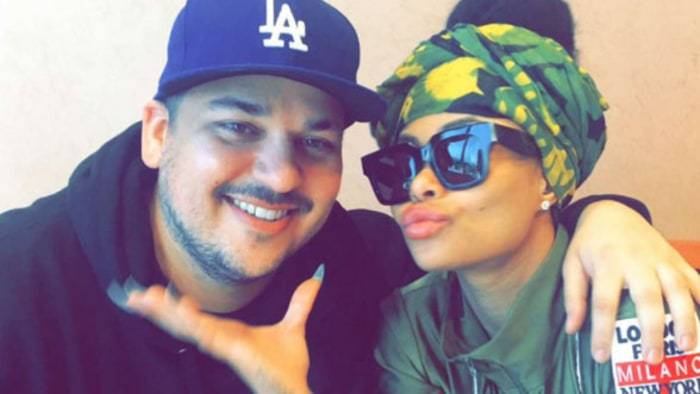 Rob Kardashian & Blac Chyna Pack on the PDA in Rare Pics!