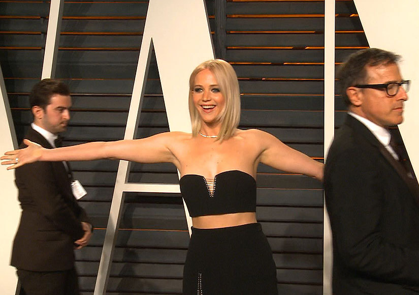 'Extra' at the Vanity Fair Oscar Party