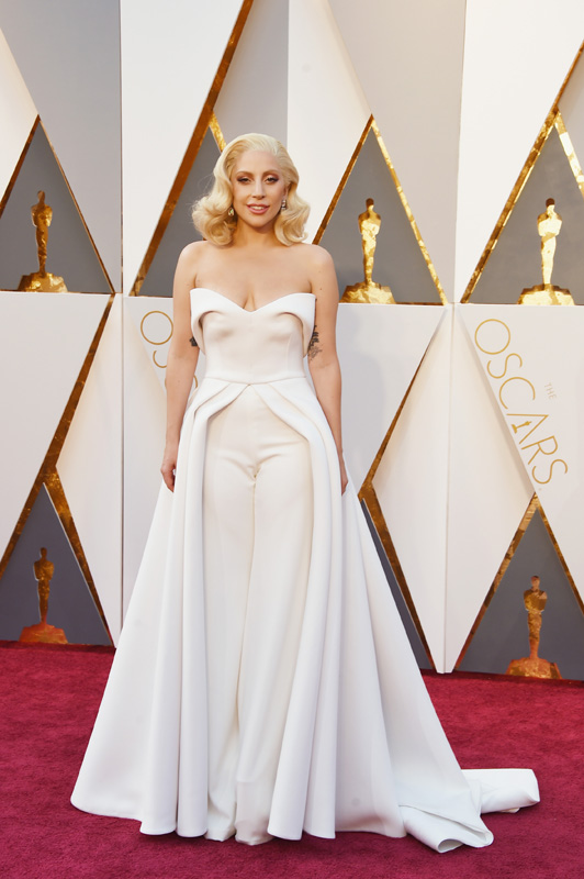 lady-gaga-resized-oscars