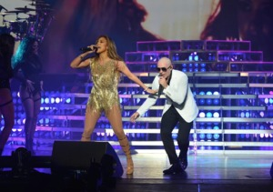 Pitbull's Surprise Guest in Las Vegas: Shimmying, Shimmery J.Lo!