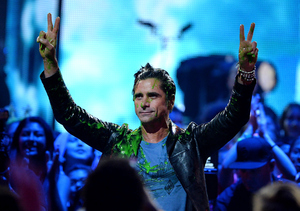 John Stamos Reacts to Being Slimed at Kids' Choice Awards