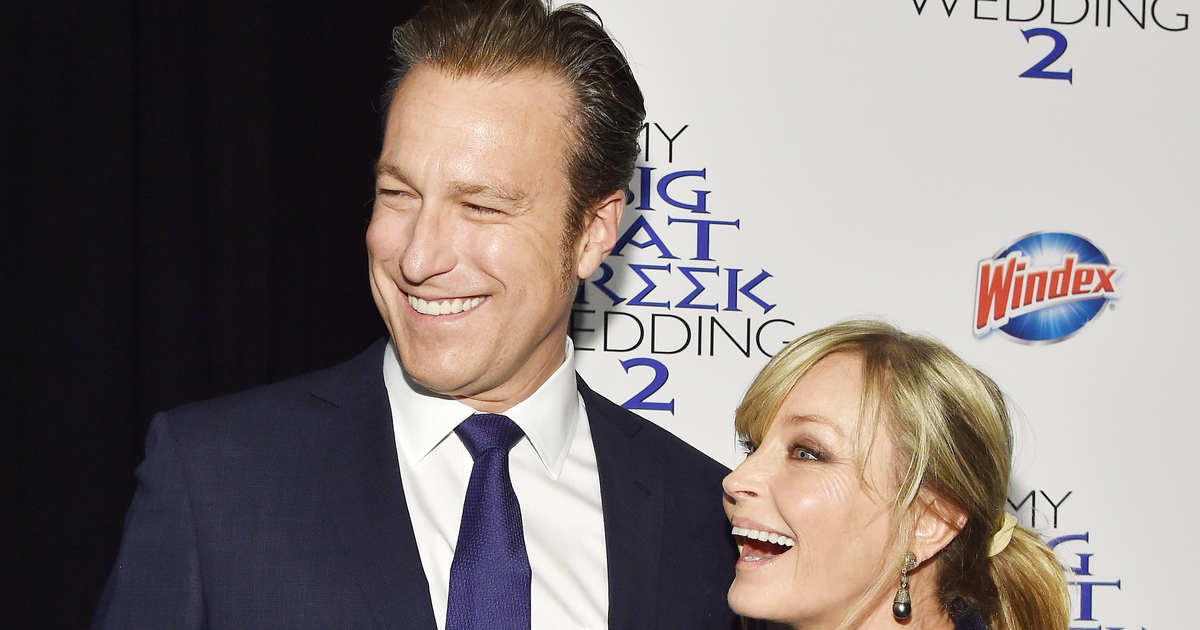 John corbett amp bo derek enjoy rare date night at my big fat greek