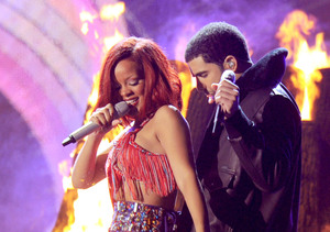 Rihanna & Drake Secretly Dating
