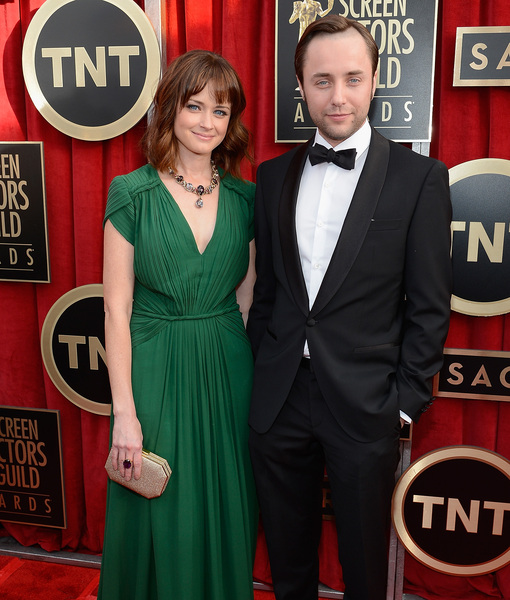 Alexis Bledel & Vincent Kartheiser's Secret Baby – When Did She Give…