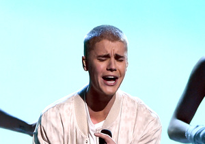Justin Bieber's Epic Stage Fall — How Did He React?