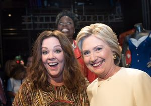 That One Time Melissa McCarthy and Hillary Clinton Were Photobombed