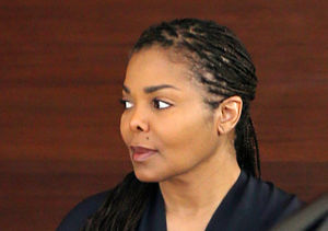 Pic! Janet Jackson Steps Out for the First Time Since Pregnancy News