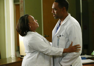Chandra Wilson & Jason George Tease Meredith's Future in 'Grey's…