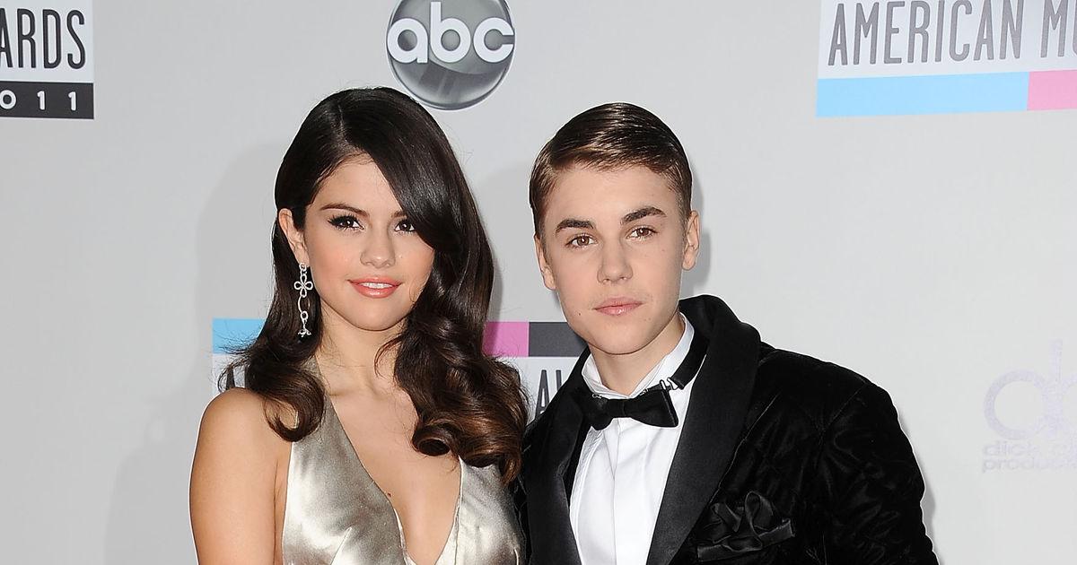 October 2012 - November 2012 Bieber was linked to Miranda Kerr