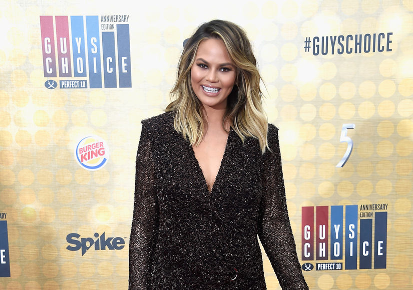 Pic! Chrissy Teigen Is 'Whatevs' About Her Stretch Marks