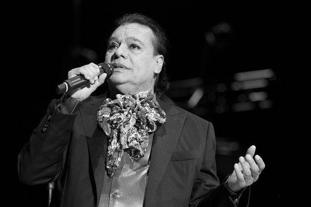 Mexican Icon Juan Gabriel Dead at 66