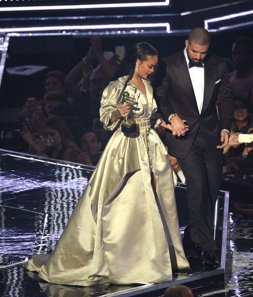 Rihanna & Drake's Onstage Lip-Lock Fuels More Romance Rumors