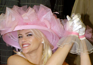 Video! Anna Nicole Smith Comes Forward During Larry Birkhead Reading on…