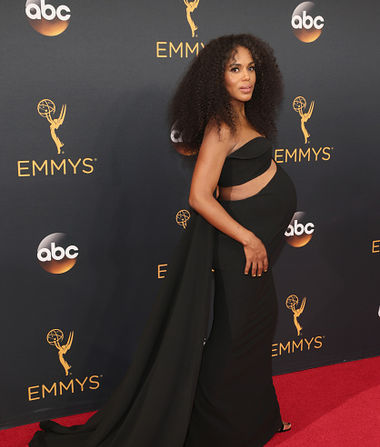 Kerry Washington's Baby-Bump Style Slays on the Emmys Red Carpet