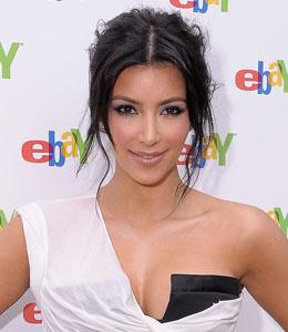 Kim Kardashian hosts charity auction for Haiti