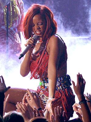 Rihanna-a.jpg