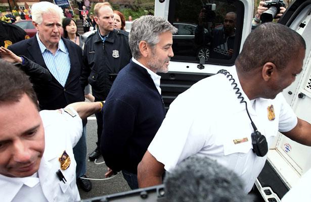 george-clooney-policevan.jpg