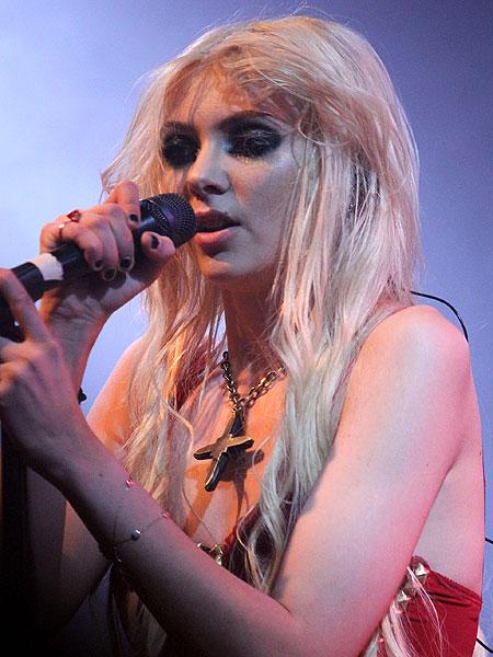 Taylor-Momsen.jpg