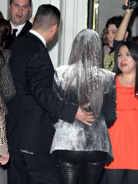 kim-kardashian-flour.jpg