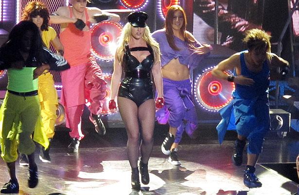 Britney-Spears-Rain.jpg