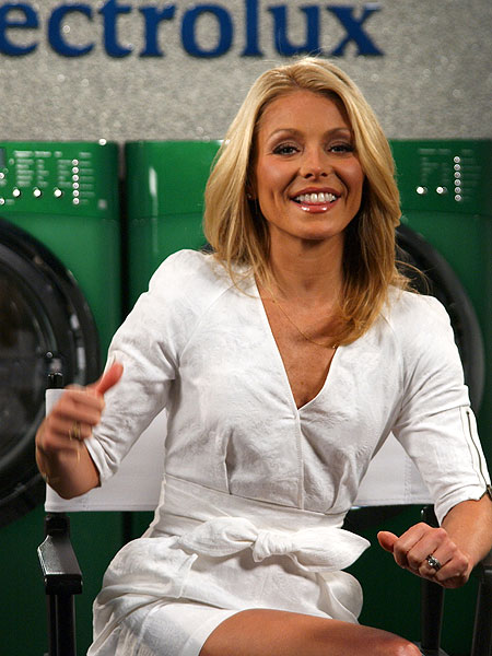 see through kelly ripa nude