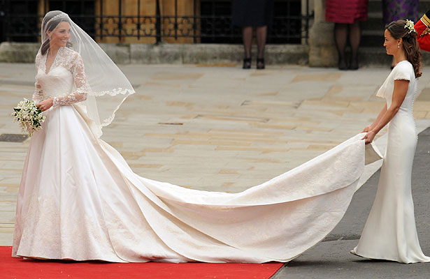 Kate Middleton\'s Wedding Dress by Sarah Burton of Alexander McQueen ...