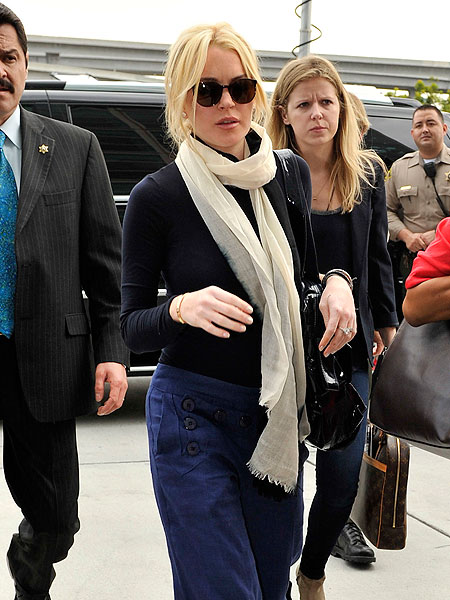 """lindsay lohan case study Michael lohan said in an interview that """"lindsay has a problem with attaching herself to the wrong people she's been told not to go out with people who use drugs or sell drugs, and all the people around her are drug dealers"""" (chung, 2013)."""