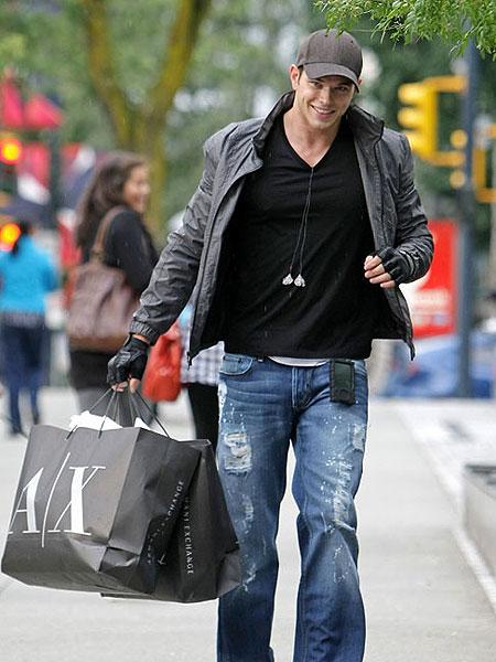 Celebs Wearing Armani Exchange Extratv Com
