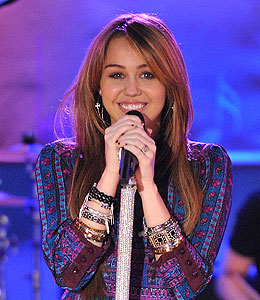 miley cyrus announces her tour
