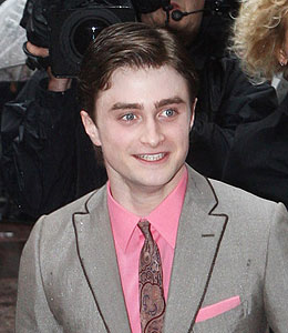 daniel radcliffe dishes about dating