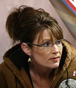 sarah palin threatens lawsuit against blogger