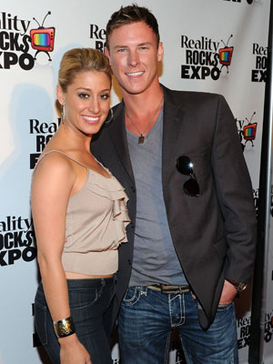 vienna girardi dating Vienna girardi is head over heels for her new beau kasey kahl, but admits she was nervous to be dating.
