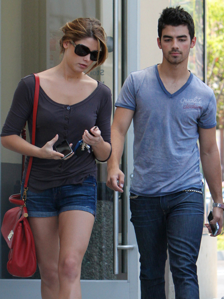 joe jonas and ashley greene