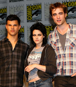 Kristen Stewart says it 'killed' her to break hearts in 'New Moon'