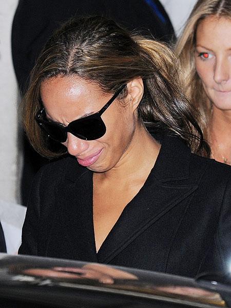 leona lewis slapped book signing