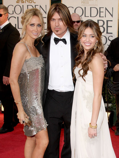 miley, billy ray and tish cyrus