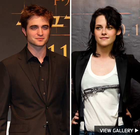 Robert Pattinson and Kristen Stewart Promote 'New Moon' abroad