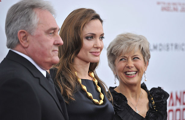 angelina-jolie-parents.jpg