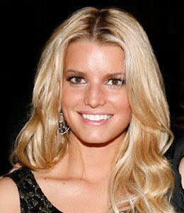 Jessica Simpson designs new swimsuit line