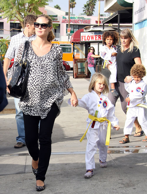 Heidi Klum picks up kids from karate