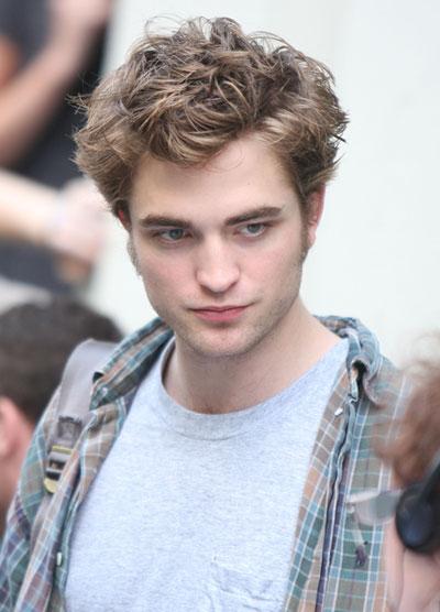 Robert Pattinson filming in New York City