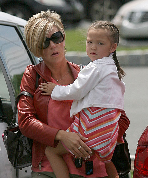 kate gosselin feels stalked by paparazzi