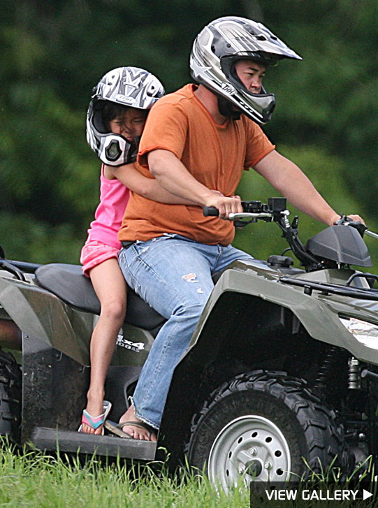 Jon Gosselin and daughters hop on an ATV