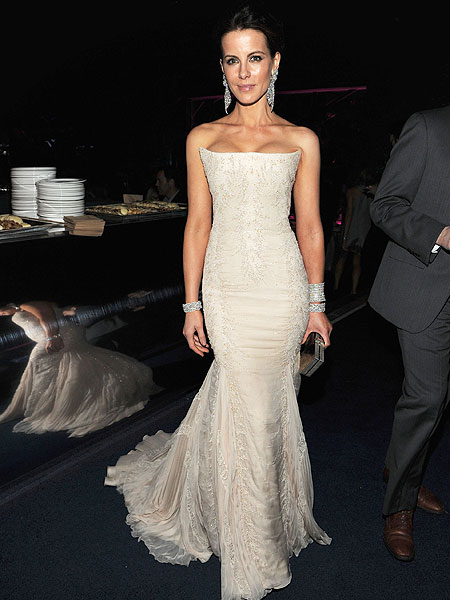 kate-beckinsale-gown.jpg