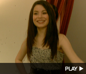 Miranda Cosgrove Tries On Outfits
