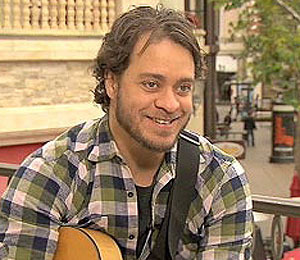 Watch Amos Lee Perform at The Grove!
