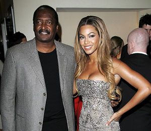 Beyonce Splits with Manager... Her Father!