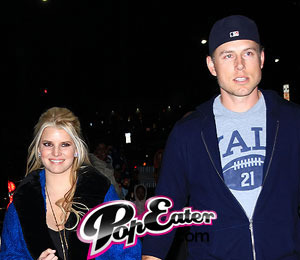 Vote! Jessica Simpson -- Should She Elope?