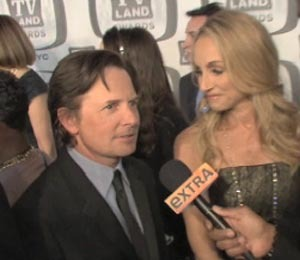 'Extra' Raw: On the Red Carpet at the TV Land Awards